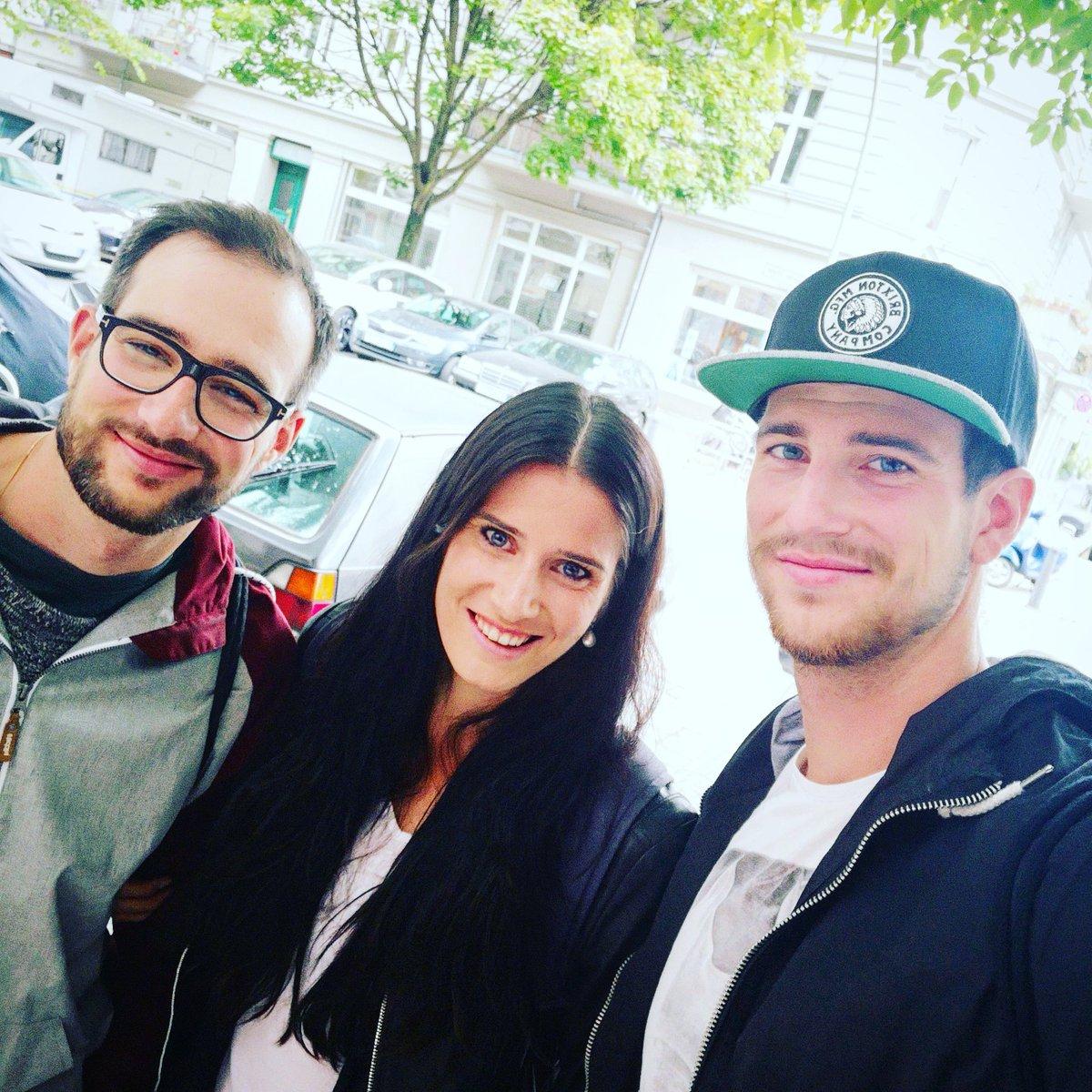 😍FAMILY😍 * * * * #brothers #familytime #berlin #happymonday #backtowork
