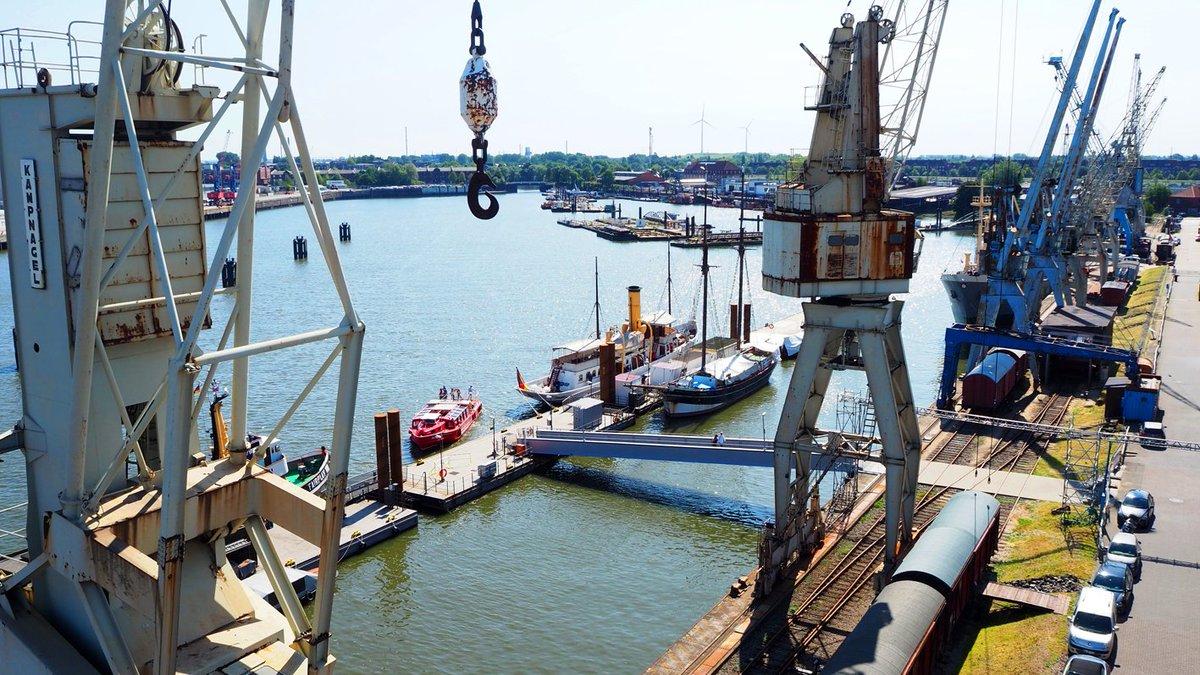 Ahoi, Bremer Kai! Die Traditionsschiffe der Metropolregion Hamburg haben eine neue Anlaufstelle im Hamburger Hafen. https://bit.ly/2NxxB62 (c) Stiftung Hamburg Maritim/Frank Zeidler-Kanter
