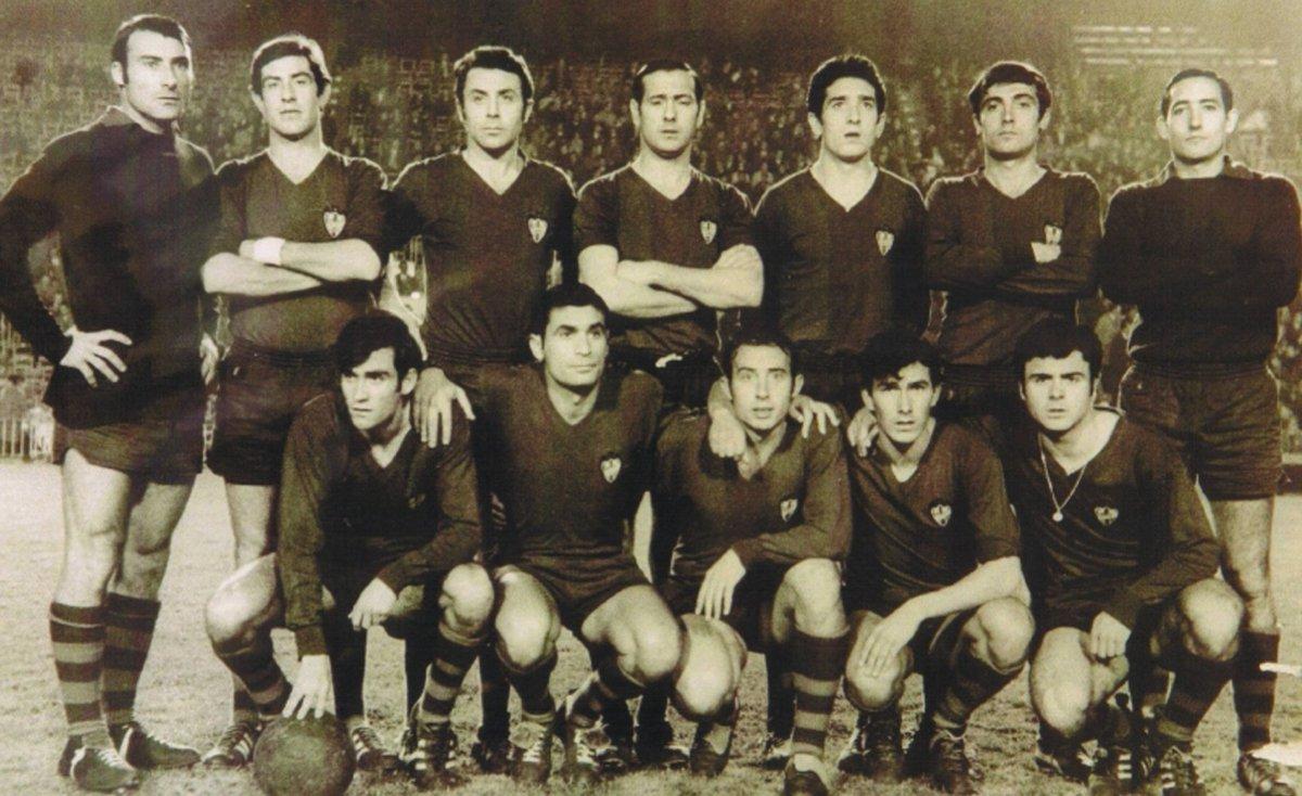 #SabíasQue El #LevanteUD defendió la condición de equipo local en Mestalla durante el ejercicio 1968-1969. Fue hace 50 años. La escuadra granota disputó sus partidos en el feudo del @valenciacf mientras alzaban la edificación del actual Ciutat de València. #LUDhistoria