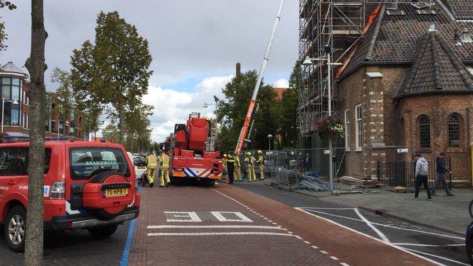 Brandweer eruit voor binnenbrand in Hervormde kerk in Wateringen,is inmiddels geblust https://t.co/FzlUv2Bt39