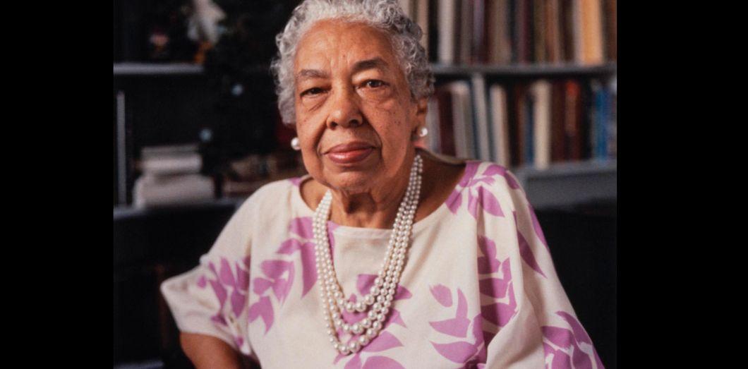 Connaissez-vous Alice Allison Dunnigan ? En 1947, c'était la toute première journaliste noire à la Maison Blanche. 📝 Elle a subi le sexisme et le racisme. Aujourd'hui, sa statue fait son entrée au musée du journalisme américain à Washington DC.   Elle est morte en 1983.