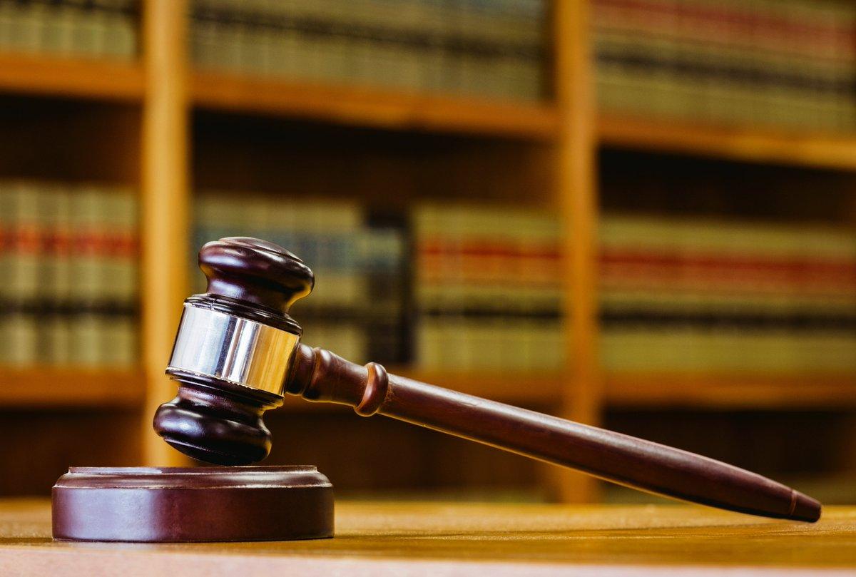 Fired teacher acquitted of student assault settles lawsuit for $950G https://t.co/OM4shtzmoz