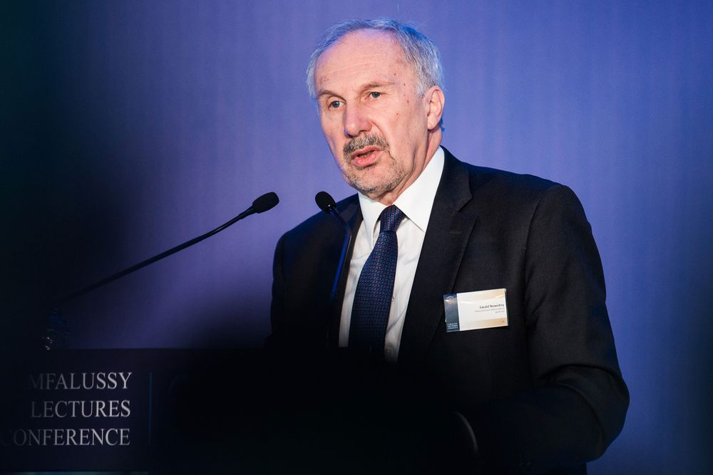 Nowotny says the ECB should normalize policy sooner than planned https://t.co/cKZgfuI0le via @economics #tictocnews