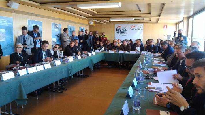 #Marmolada - Consiglio regionale straordinario a #PuntaSerauta: la partecipazione dei gruppi http://bit.ly/2xIeBHi #ConsiglioVeneto  - Ukustom