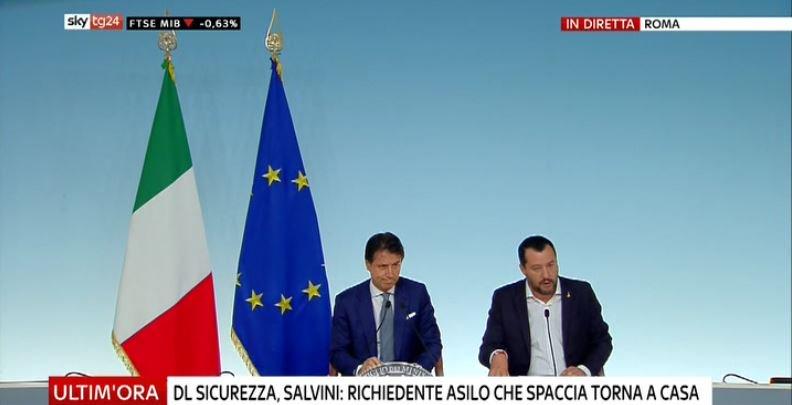 #UltimOra DL #Sicurezza, #Salvini: richiedente asilo che spaccia torna a casa #Canale50 http://sky.tg/direttaskytg24  - Ukustom