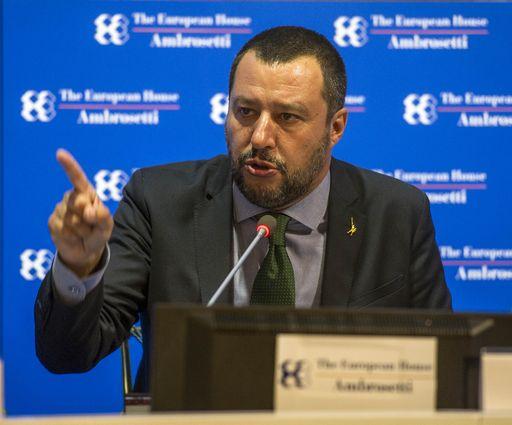 Via libera del Cdm al #DecretoSalvini su sicurezza e migranti. Il ministro dell'Interno: 'Sono felice. Un passo in avanti per un'Italia più sicura' https://t.co/t2awsESAqw #sicurezza #migranti