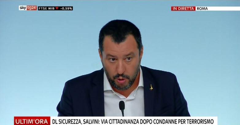 #UltimOra DL #Sicurezza, Salvini: via cittadinanza dopo condanne per terrorismo #Canale50 http://sky.tg/direttaskytg24  - Ukustom