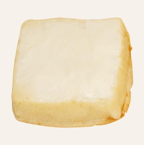 1000RT:【大感激】ファミマでご当地パン「クリームボックス」を販売 https://t.co/AkuWBgt6t7  食パンの上にミルク風味のクリームが乗っているのが特徴です。シンプルで優しい味わいが絶品。9月25日から。