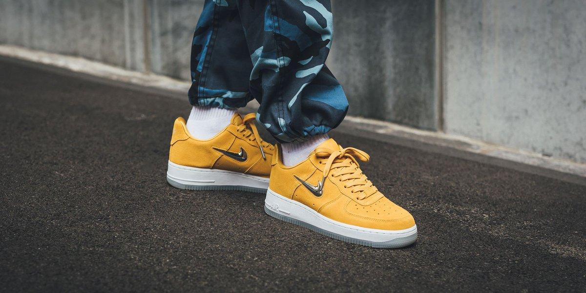 a0d5cd5be786 NEW IN! Nike Wmns Air Force 1  07 Premium LX - Yellow Ochre Metallic Silver- White SHOP HERE  http   bit.ly 2lGHKgz pic.twitter.com 7rclGvYykZ