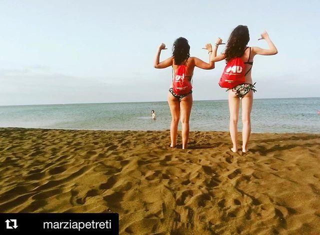 Quando lo zainetto è in vacanza con @marziapetreti #upo #upoinviaggio #zainettoupo #lanzarote #ctf #uponovara #summer #friendship #sisters #university #exams #timeoff #sea #adventure #happiness #together #upolife #relax #igers #travel #travelphot… https://ift.tt/2xLSUWP  - Ukustom