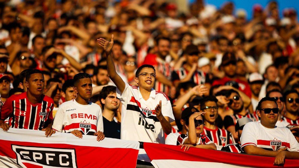 São Paulo chega a 7 jogos com mais de 40 mil torcedores e quebra recorde https://t.co/Gr45VSaxGJ