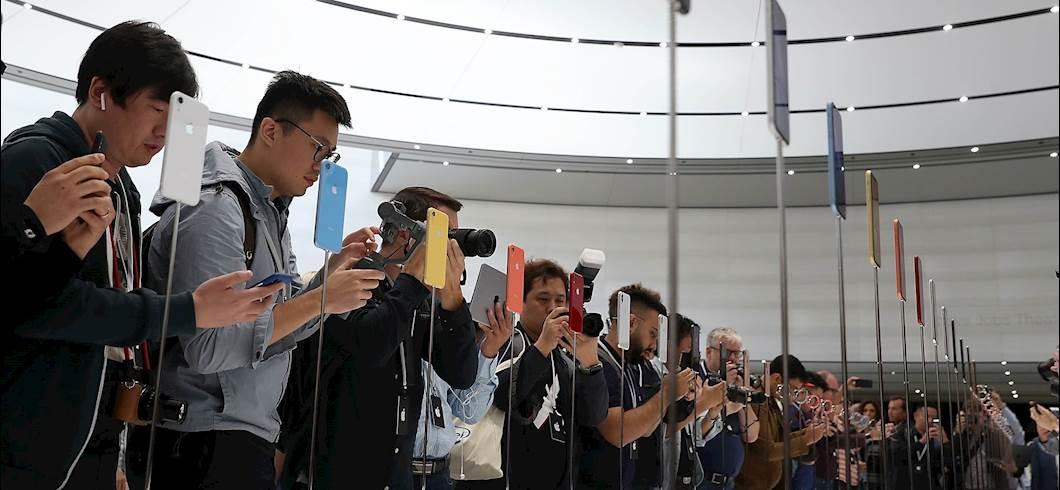 FANTARACCONTI - Asta #fantacalcio anti social: spegnete le fotocamere e godetevi il momento  https:// www.fantagazzetta.com/approfondimenti/racconti/24_09_2018/fantaracconti---asta-fantacalcio-anti-social-spegnete-le-fotocamere-e-godetevi-il-momento-316209 #News #Fantagazzetta  - Ukustom