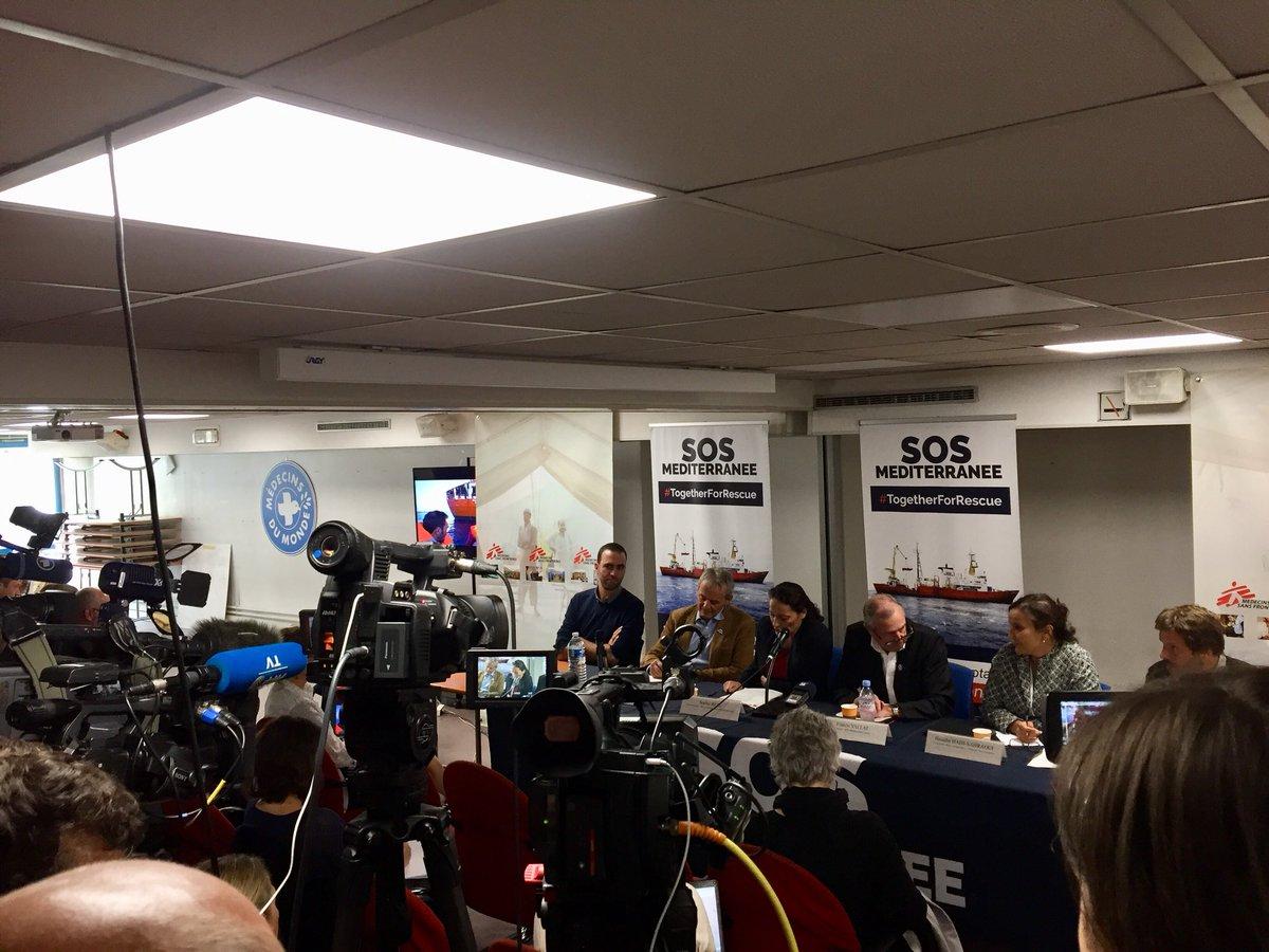 #Aquarius en danger : nous accueillons et soutenons la conférence de presse de @SOSMedFrance et @MSF_Sea.  Seul navire de recherche et de sauvetage non gouvernemental encore présent en méditerranée centrale, sa mission humanitaire est vitale et doit être soutenue par l'Europe.