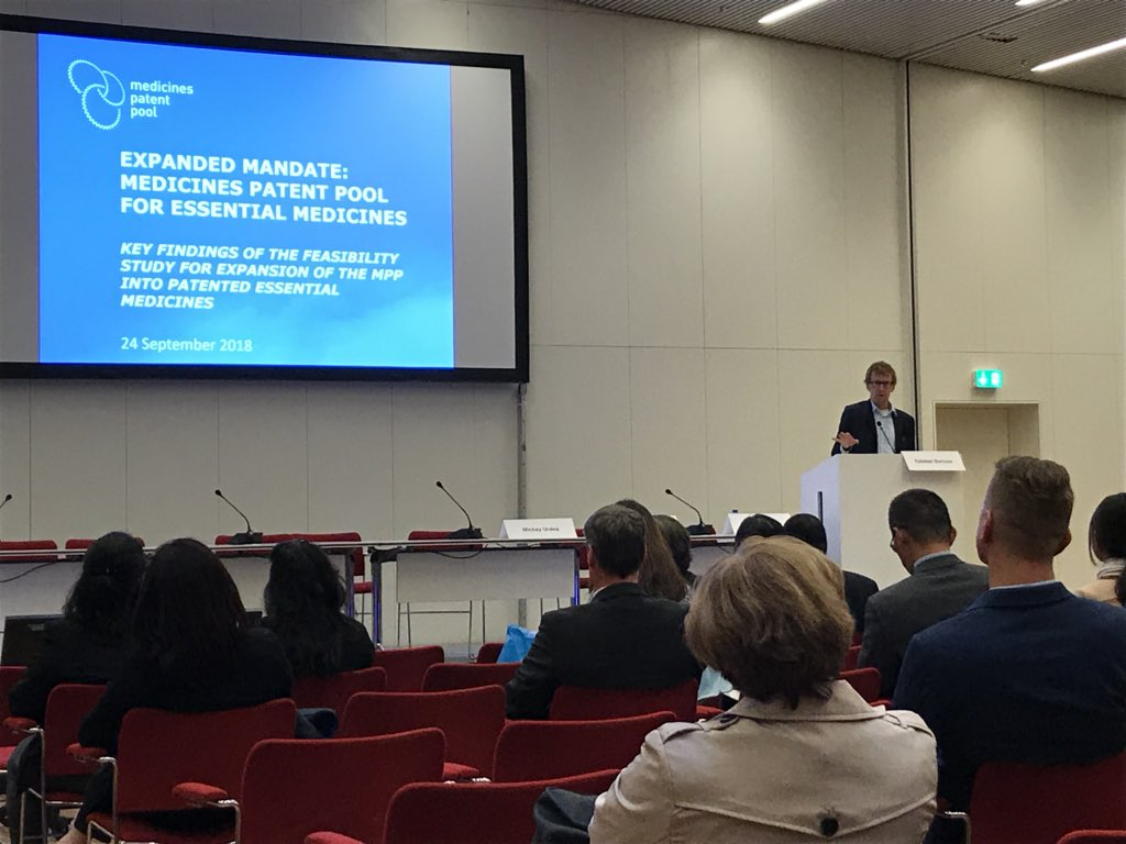 Esteban Burrone (@eburrone) presenting Expanded mandate: Medicines Patent Pool for essential medicines at @UNICEF - @UNFPA - @WHO Joint Meeting #pqcph2018 @MedsPatentPool<br>http://pic.twitter.com/0vdPd5DRXS