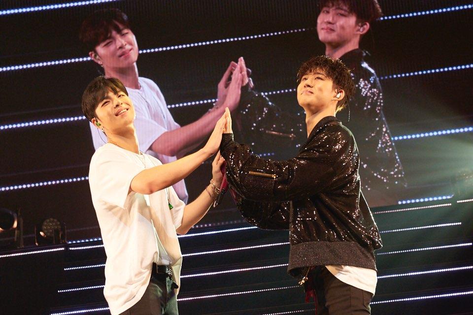 【#iKON】 ❤️神奈川❤️  #BI & #JUNE  #BESTFRIEND #仲良しショット⁉️ #iKONJAPANTOUR2018