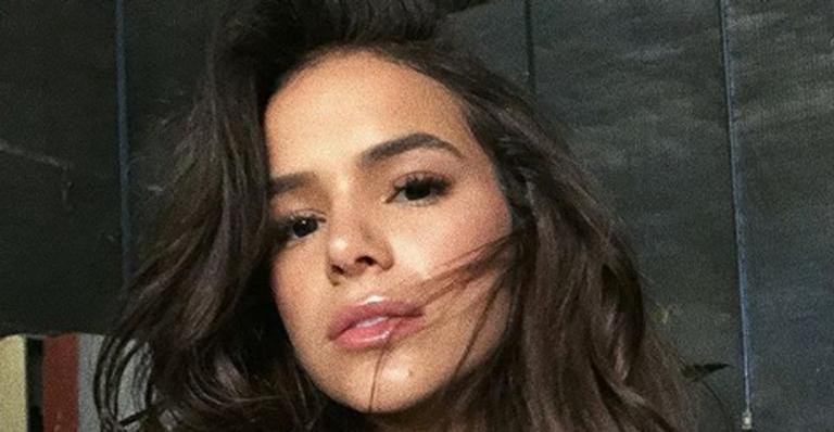 Sexy! Bruna Marquezine surge na cama de lingerie e ganha suspiros na web: ''Rainha'' --> https://t.co/HAAfvpid7Y