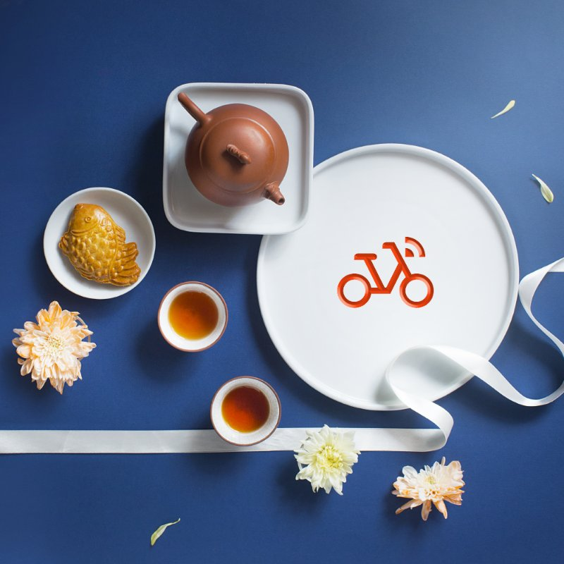 Mobike wishes everyone, Happy Mid-Autumn Festival! Savor some mooncakes, sip on tea and get ready to #Mobike! https://t.co/MHHrlO2xC1