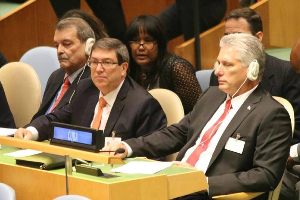 Presidente cubano espera su turno para hablar, por primera vez, en la ONU, como parte de la Cumbre en honor a Mandela./Foto: @leticiadeCuba en Twitter