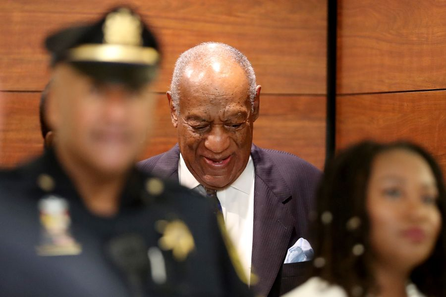 Lawyers argue over whether it's constitutional to make Bill Cosby register as a sex offender https://t.co/BC5aAcrgjU https://t.co/h8b50PtbT4
