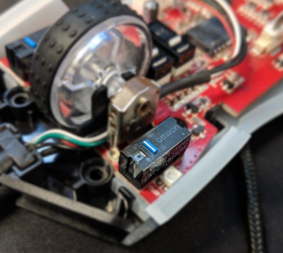 Eluktronics On Twitter We Love The Rgb Our New Luminosa Mouse Best Home Wiring Book Put Stuff Inside Including Omeron Switches Rated For 50 Million Clicks Esports Mousepic 0bwg0dyqey