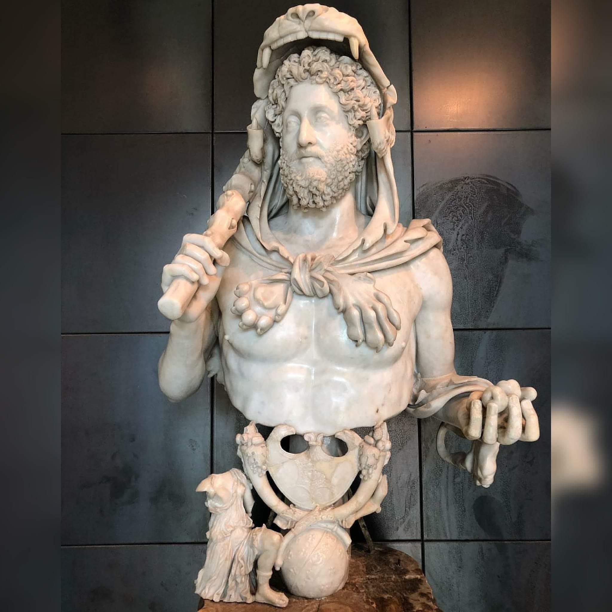 "Mozartcultures #MaskeTak on Twitter: ""İmparator Commodus'un mermer ..."