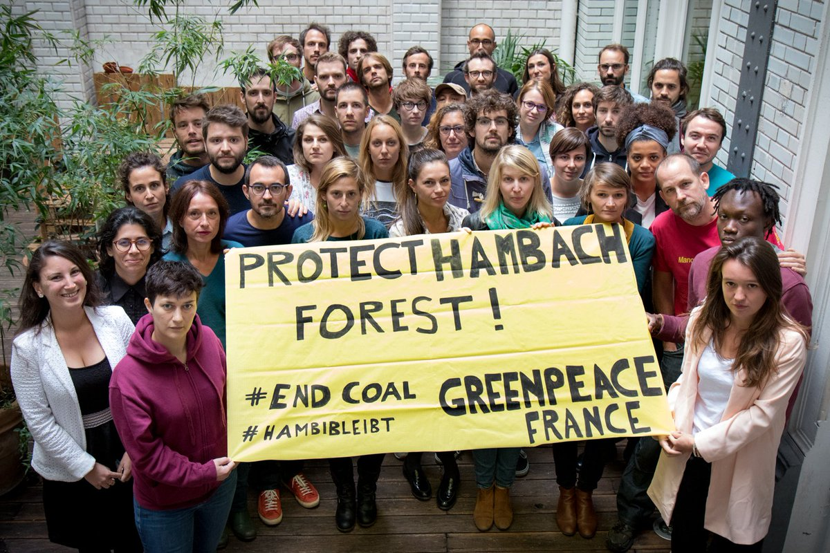Abattre une forêt ancienne, évacuer violemment celles et ceux qui la protègent, le tout pour faire la place à une mine de charbon ? Tellement d'erreurs à la fois. Protégeons la forêt de #Hambach, signons la pétition ➡️ https://t.co/2ppBQXTgcv #HambacherForsterForst