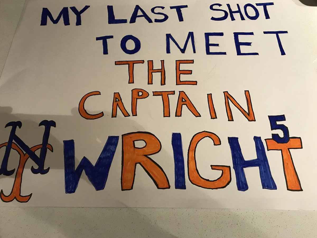 David Wright is a class act he saw my sons sign during Saturday's game and gave him a signed ball <br>http://pic.twitter.com/cBGG8ws7pA