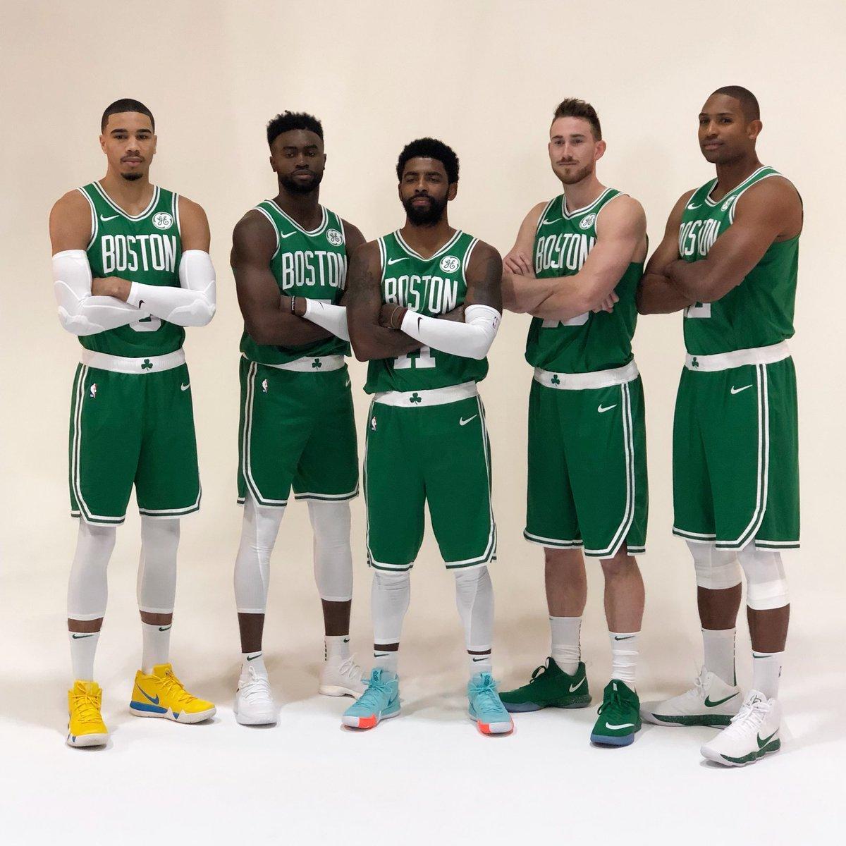 The Celtics at full strength ☘️  (via @NBA) https://t.co/qQ0m915aEu