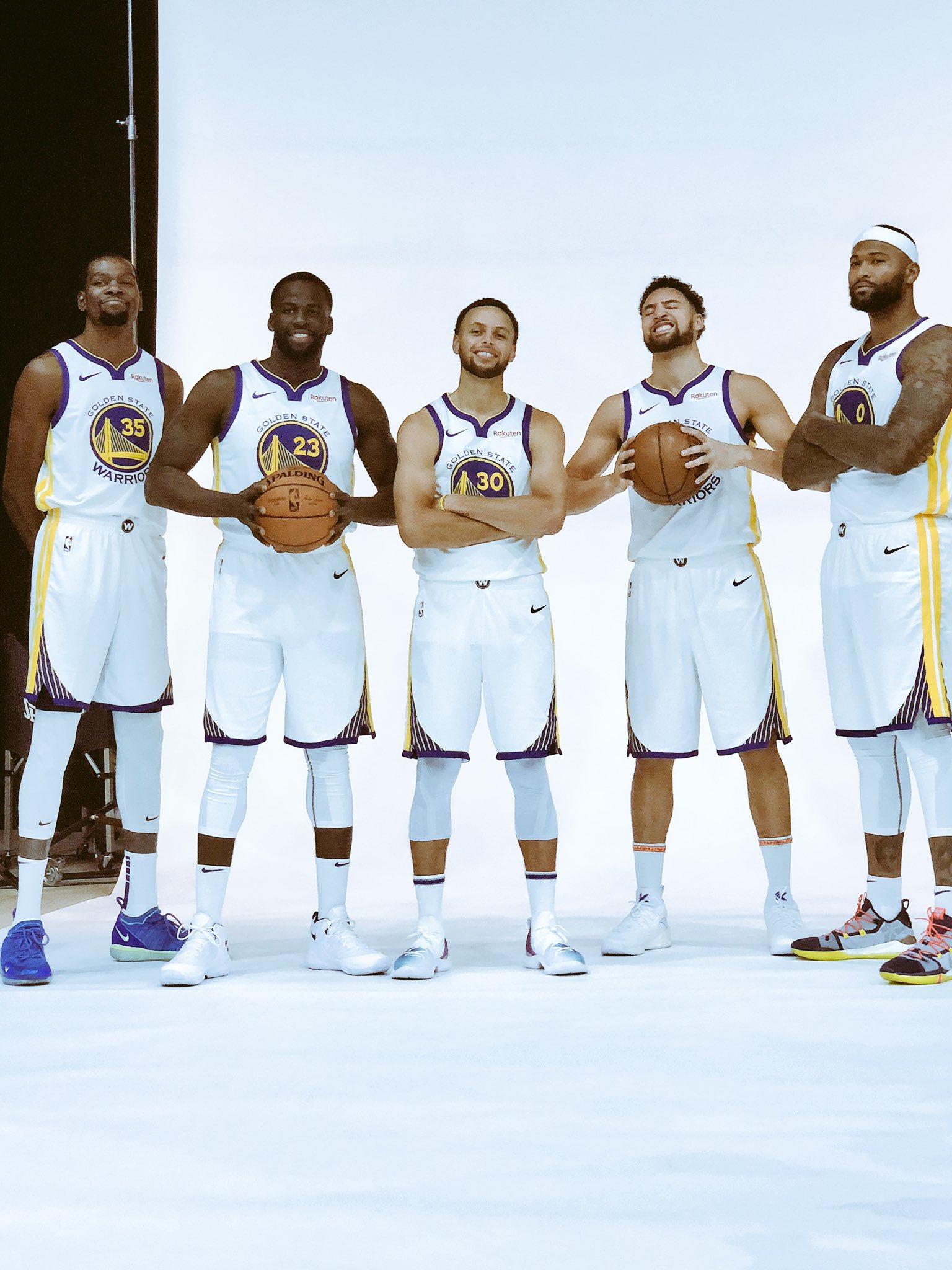 #NBAMediaDay #DubNation https://t.co/UzCqSvMmWz