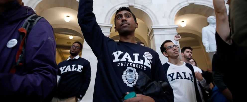 Dozens of students dressed in black stage a sit-in at Yale Law School to protest the nomination of Judge Brett Kavanaugh to the Supreme Court and demand an investigation into sexual misconduct allegations against him https://t.co/6HPwYQs6Bt