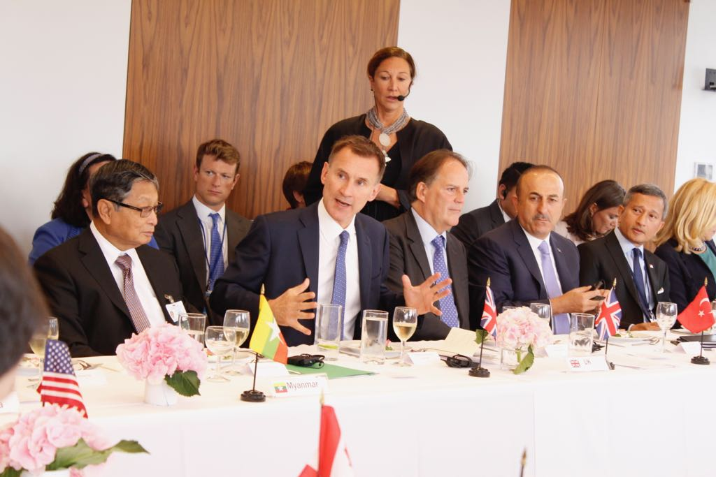 Today at #UNGA, @Jeremy_Hunt called on the international community to address accountability & support #Rohingya refugees. We need an international political consensus to bring their appalling humanitarian suffering to an end. Statement from UK & France: gov.uk/government/new…