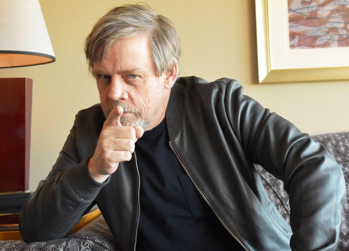 【#HappyBirthday】 9/25は『#スター・ウォーズ』シリーズのルーク・スカイウォーカー役で知られる #マーク・ハミル さん67歳の誕生日🎂  昨年公開された『最後のジェダイ』劇中の「ジェダイは滅びる」というセリフは、マーク自身もショックだったと明かしていました😢 https://t.co/nY4gI3bu15
