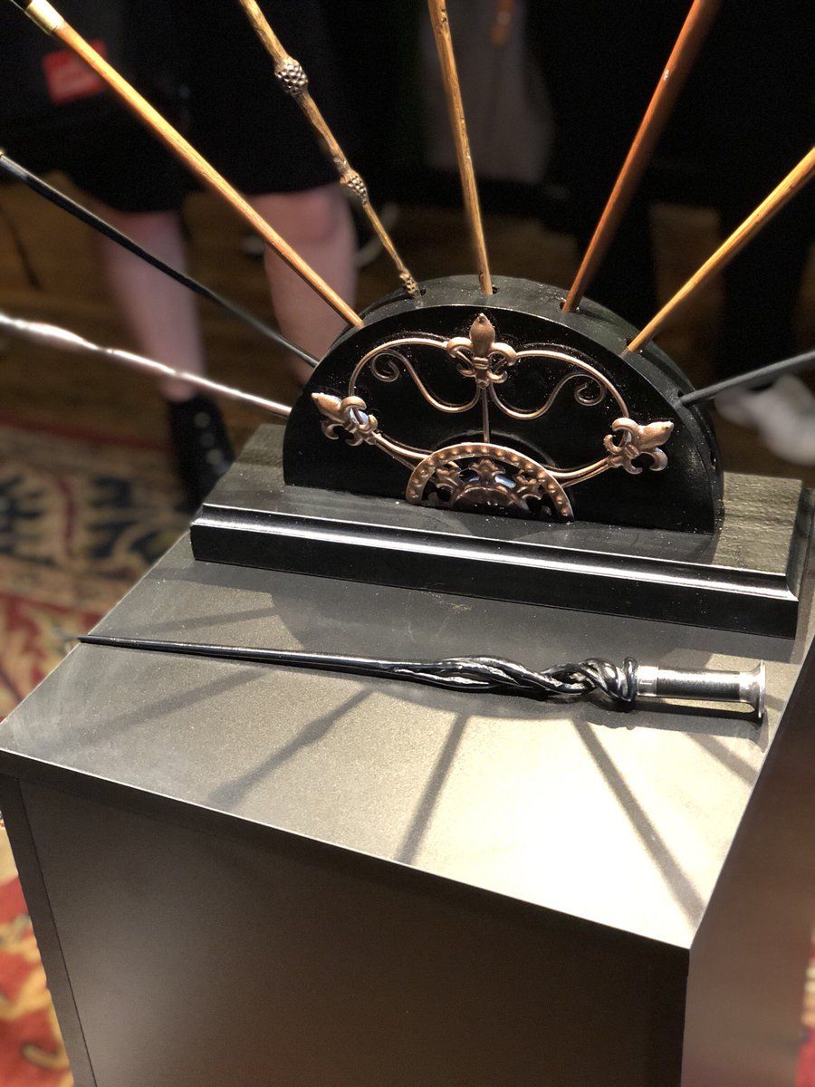 Pottermore On Twitter Here S A Closer Look At Dumbledore S Wand