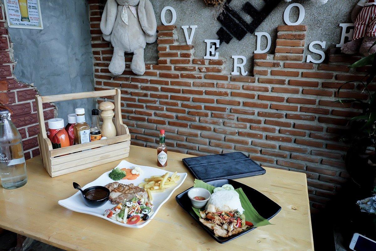 """คนอะไรไม่ชอบกินข้าว on Twitter: """"ใครที่ไปเที่ยวจ.นครนายกแล้วอยากหาอะไรทาน  แนะนำร้าน Overdose Coffee & Bar อาหารราคาไม่แพง อร่อย  มีทั้งของคราวและของหวาน #นครนายก #เที่ยวไหนดี #OverdoseCoffeeandBar  #เที่ยวไทย… https://t.co/qOQcZHk28c"""""""