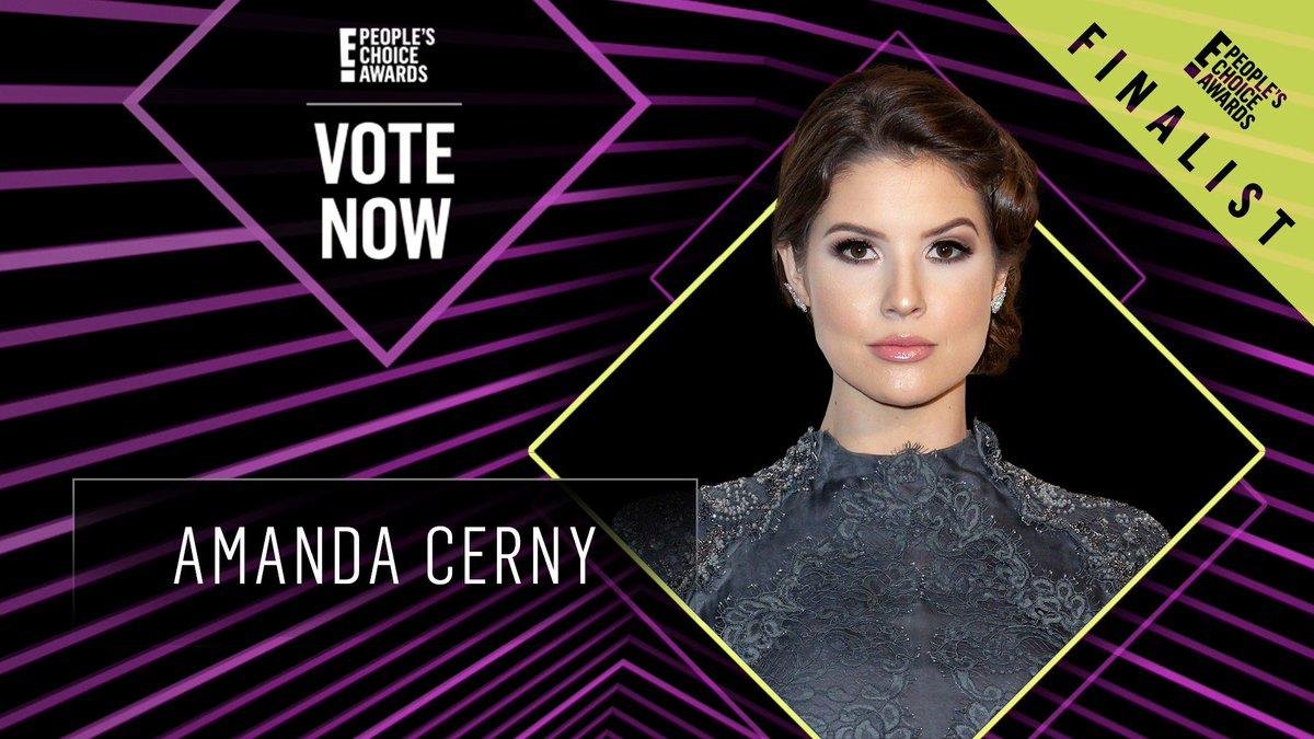 Vote for Amanda Cerny by retweeting this post: #AmandaCerny #TheSocialStar #PCAs