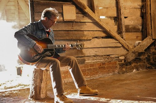 We are happy to share the launch of a fresh new EricClapton.com Come on in and check it out! EricClapton.com