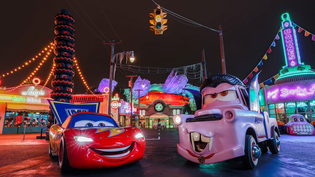 Calling all ghouls! Enter the shopDisney Haunted Halloween Sweepstakes for a chance to win a @Disneyland Resort vacation:  https:// bit.ly/2zrgfyU  &nbsp;  <br>http://pic.twitter.com/ZHJeLN07Oi