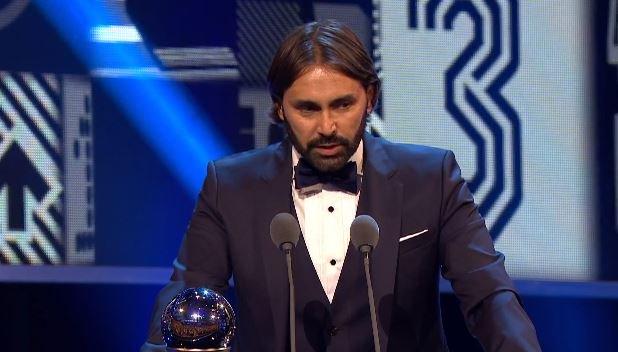 Reynald Pedros vence o prêmio de melhor técnico do futebol feminino https://t.co/dk2EjkLK5B https://t.co/FU4bpFcGJ9