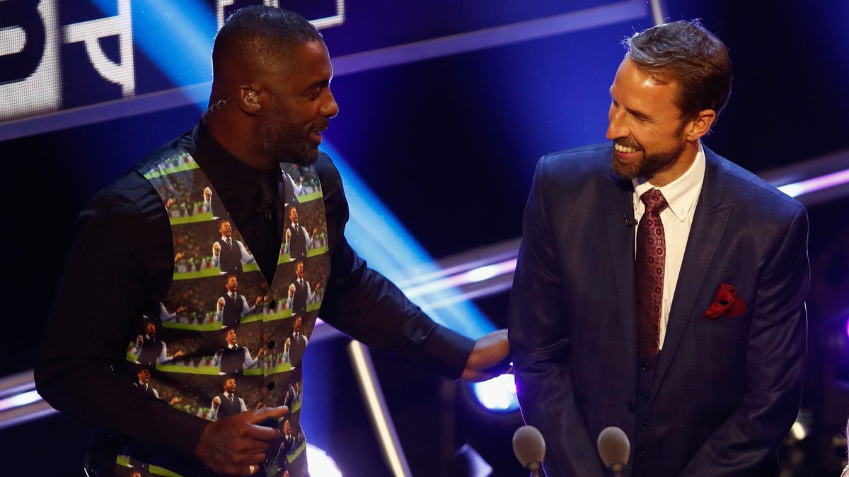 We prefer the original, @idriselba... 😳 #ThreeLions boss Gareth Southgate was on stage at the #FIFAFootballAwards to hand over #TheBest women's coach prize.