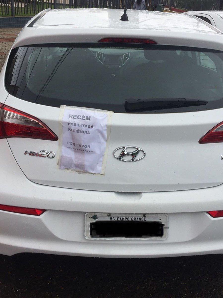 Estudante recém-habilitada usa bilhete para pedir paciência a outros motoristas https://t.co/lZTHKoZ3n7 #G1