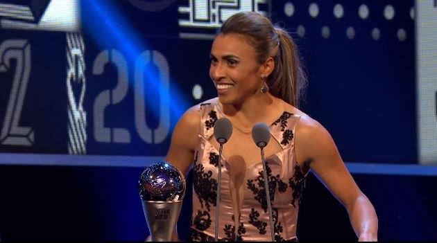É HEXA!!! Marta é eleita a melhor jogadora do mundo pela sexta vez https://t.co/mcZlbjWQFR https://t.co/3l97jNRqvm