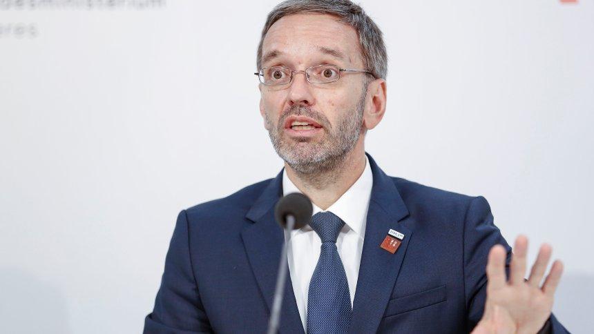 Brisante E-Mail: Österreichs Innenministerium will Info-Sperre für kritische Medien https://t.co/polMg0Vl4l