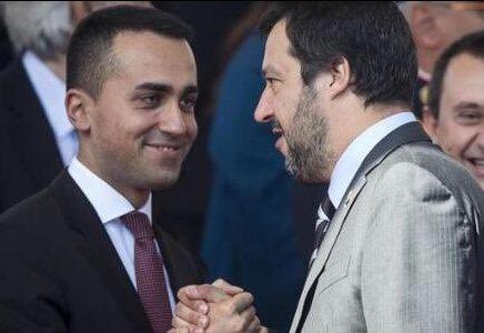 """#QuartaRepubblica Salvini:""""Non mi interessano i vari http://sondaggi.Io ho firmato un contratto con #LuigiDiMaio sto benissimo,ho una sola parola,governeremo col #M5S per 5 anni!  - Ukustom"""