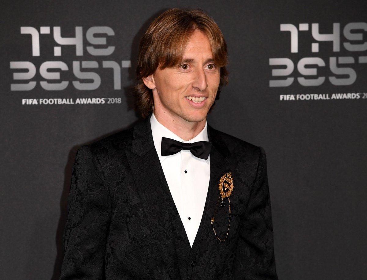 Modric leva prêmio de melhor jogador do mundo https://t.co/YrKQxLjIko -via @EstadaoEsporte