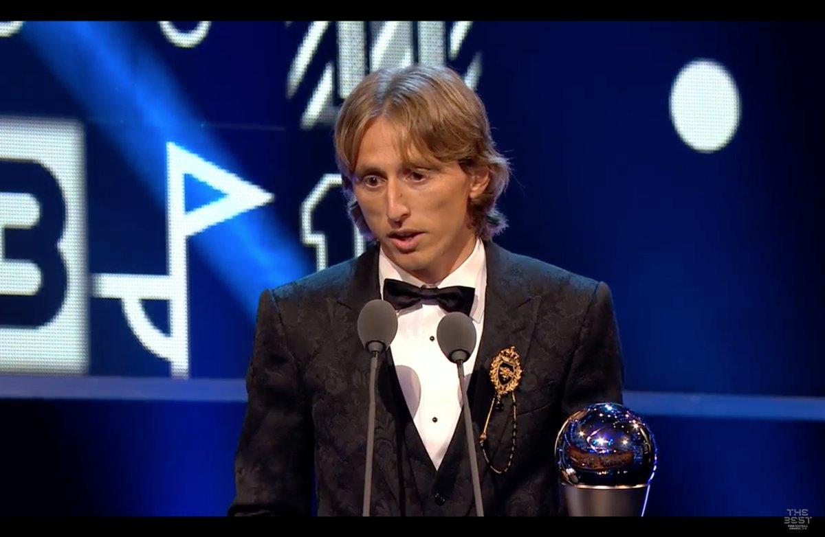Luka #Modric vince il premio #TheBest  https://bit.ly/2zrE2iy  - Ukustom