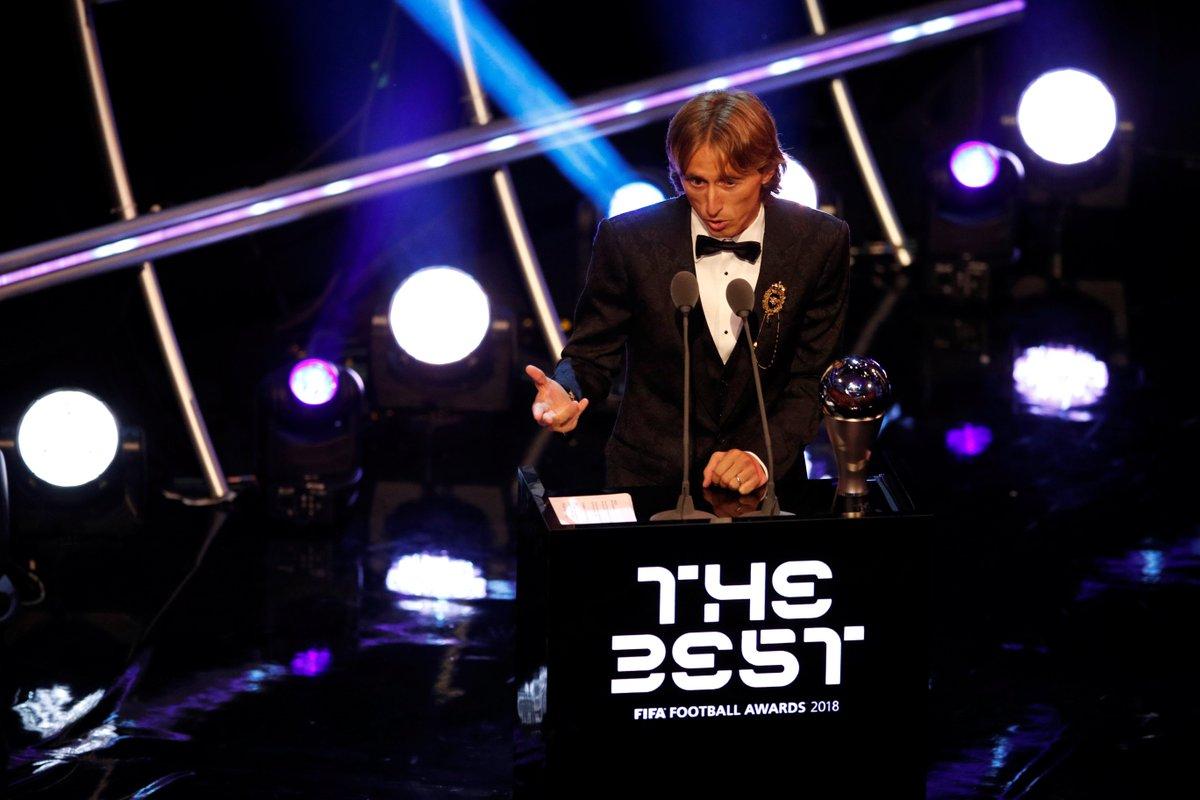 Модрич признан лучшим футболистом года по версии ФИФА https://t.co/q9uNsiPB9p