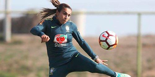 Pela sexta vez, Marta é eleita pela FIFA a melhor jogadora de futebol do mundo: https://t.co/BLdBt4HdHN #TheBest