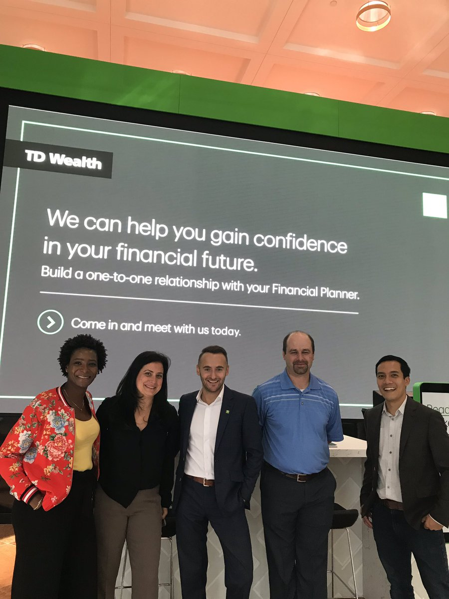 Check out our new merchandising at 161 Bay Street branch.  Thanks to this great marketing team @TDWealth @FlorianBaranger @m_evely @stjoseph @claudinetoronto<br>http://pic.twitter.com/TEupL8iTPg