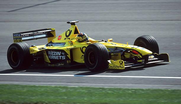 Heinz-Harald Frentzen 🇩🇪 in Jordan EJ10B - Mugen Honda MF-301HE #V10 scored his 17th podium with a 3rd place finish at the Indianapolis. #F1 2000 #UnitedStatesGP (Photo: Andreas Rentz) https://t.co/tDgg44uMDp