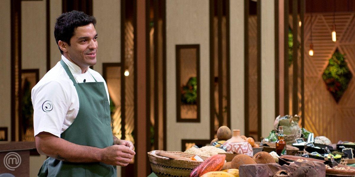 Para responder o #QuizzMasterChefBR: o chef especialista em culinária brasileira e gênio da Região Norte é... THIAGO CASTANHO! 🍴 #MasterChefProfissionais #MasterChefBR